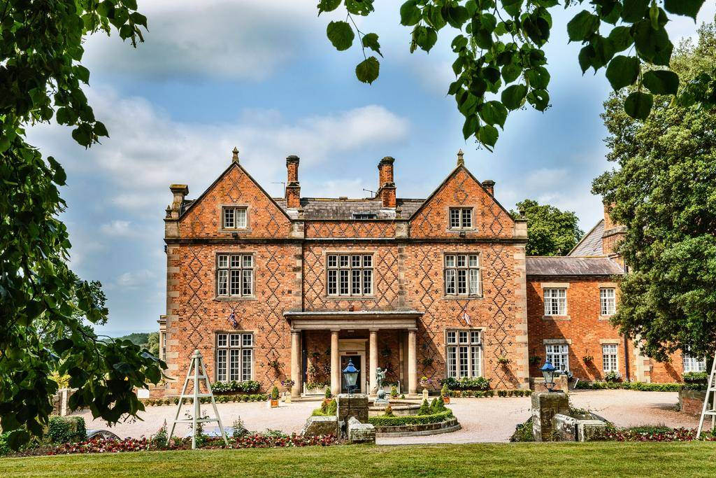 budget wedding venues UK