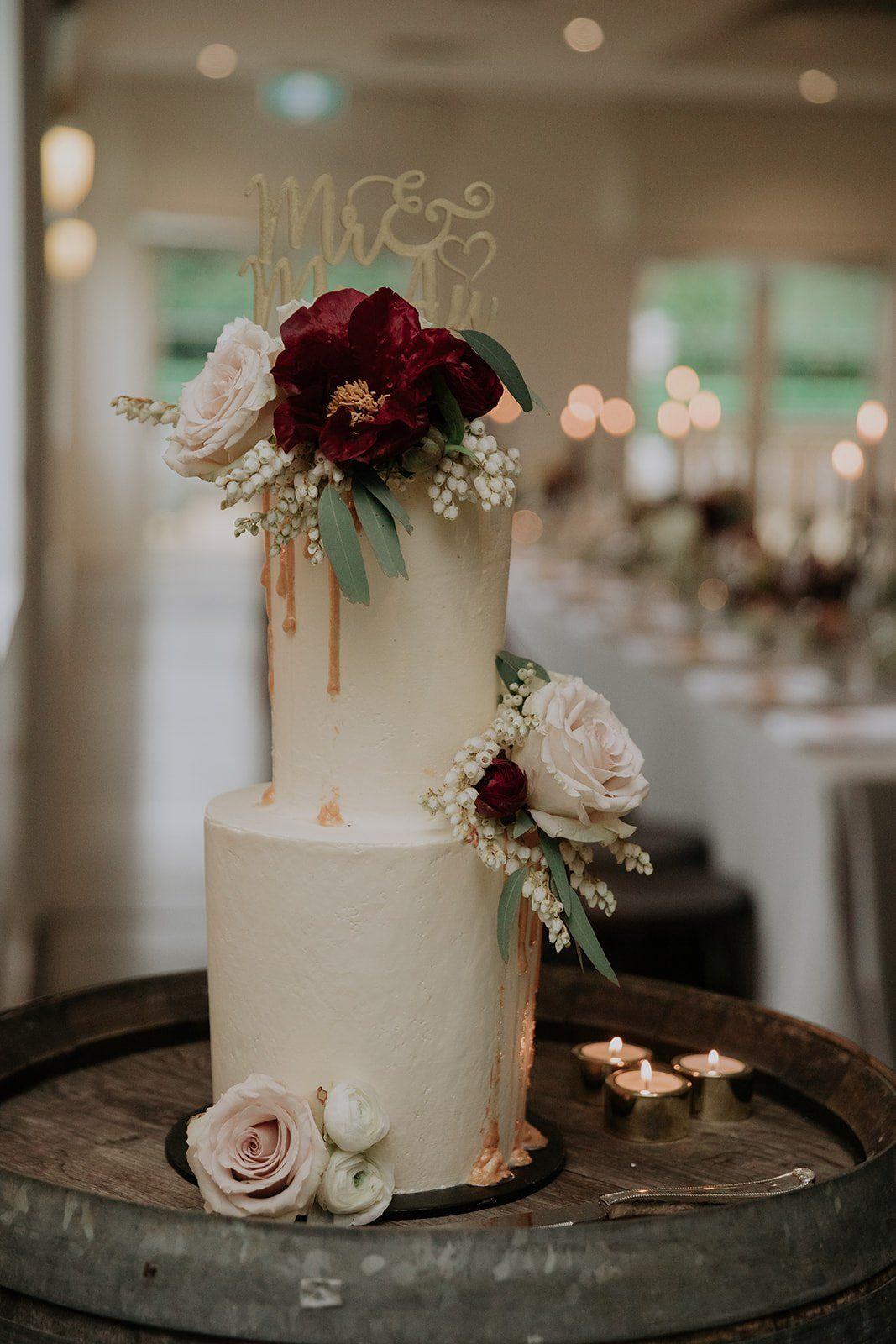 wedding drip cakes inspiration