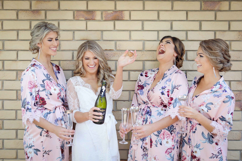 bride & bridesmaids wedding morning
