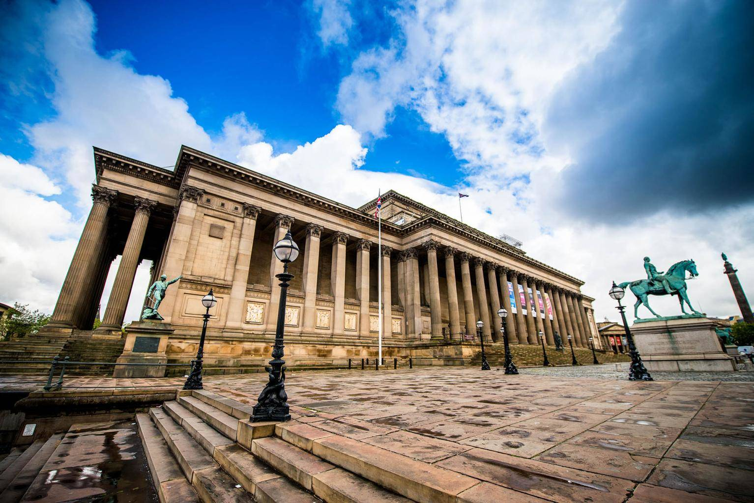 wedding venues in Liverpool St Georges Hall Weddings