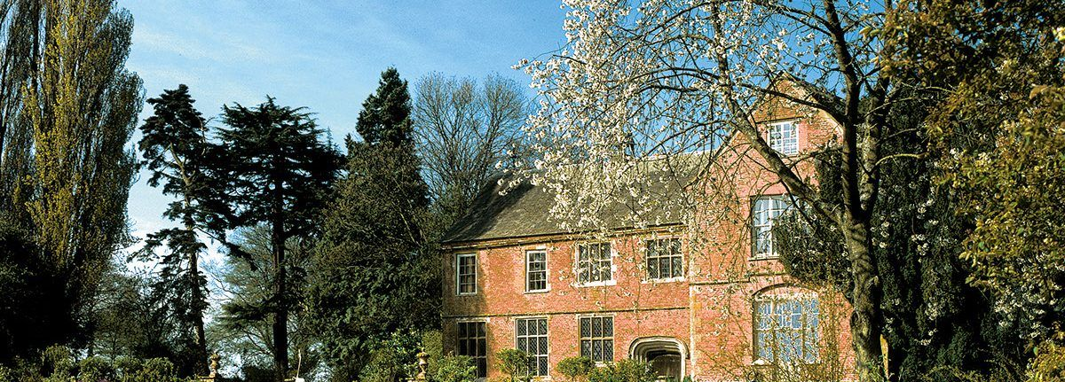 barn wedding venue in herefordshire